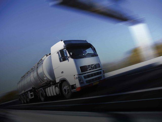 White-Truck-single-640x480.jpg